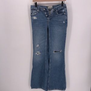 FREE PEOPLE BUTTON FLY DISTRESSED BOOTLEG JEANS